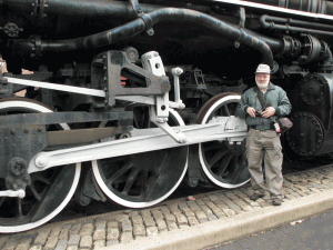 Art Taylor in front of train at the B&O Museum