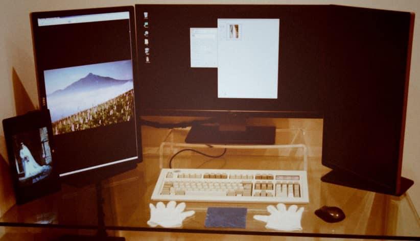 Photo scanning workstation